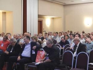 DSCN0459-delegati prate raspravu