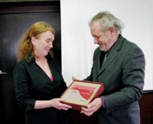 IMG_0054-Metalka godine 2015-bosiljka Zlojutro-prima nagradu